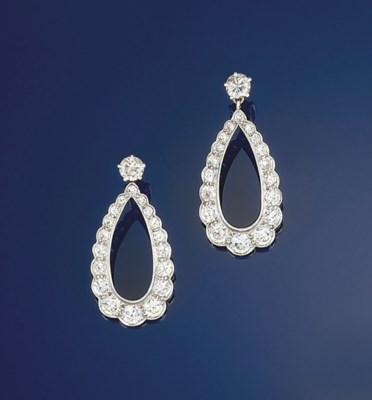 A pair of diamond earpendants
