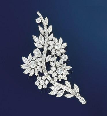 A diamond cluster brooch