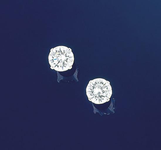 A pair of single stone diamond