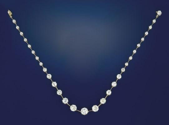 An Edwardian diamond necklace