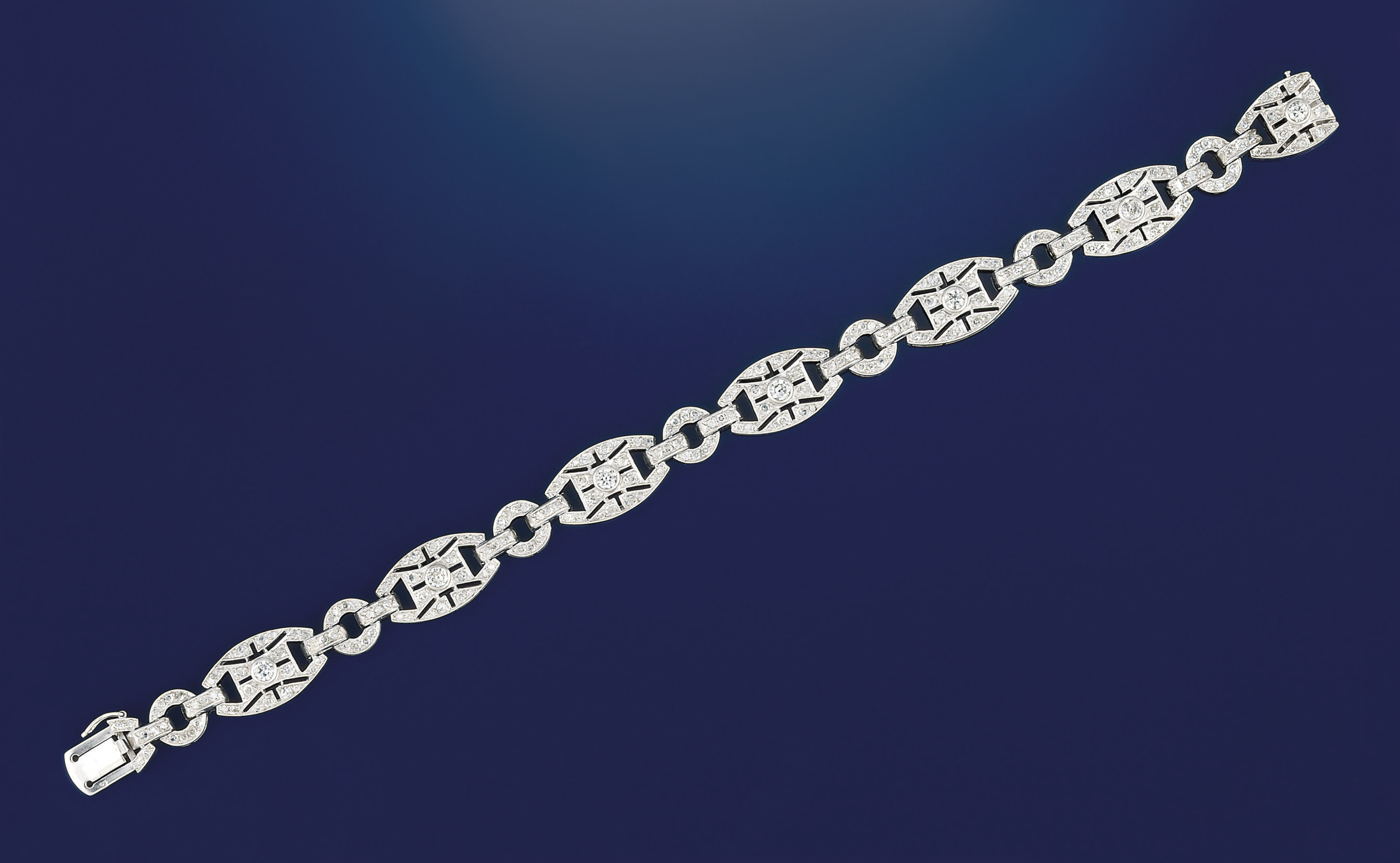 A French Art Deco platinum and