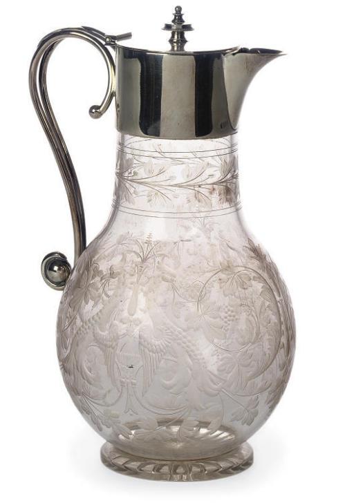 A VICTORIAN GLASS GLARET JUG W