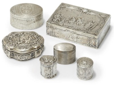 AN 18TH CENTURY FRENCH SILVER
