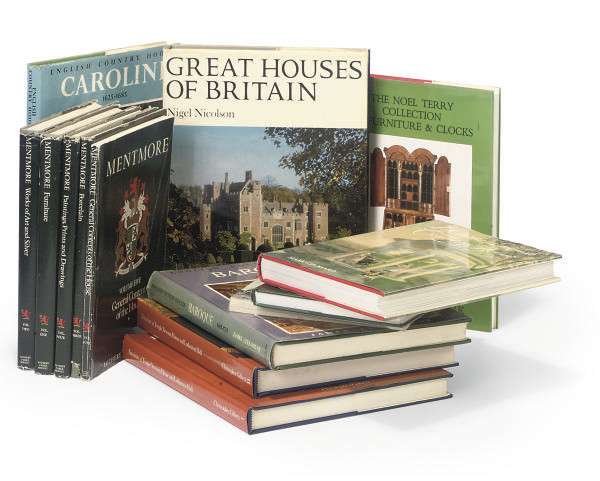 BOOKS -- COUNTRY HOUSES. LEE-M