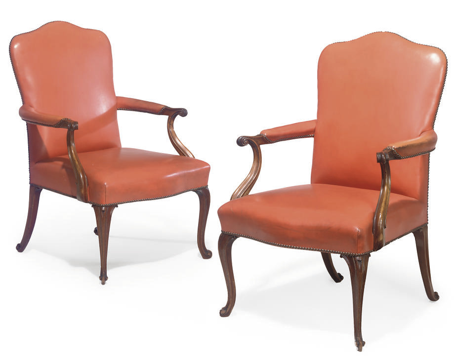 A PAIR OF VICTORIAN MAHOGANY A