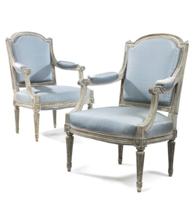 A PAIR OF FRENCH PALE GREY PAI