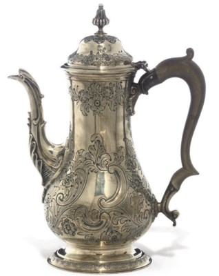 A GEORGE V SILVER COFFEE POT