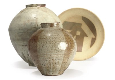 THREE ITEMS OF STUDIO POTTERY