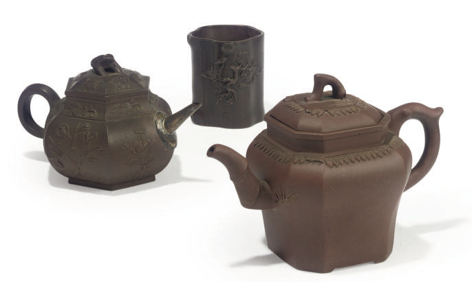 TWO CHINESE YIXING TEAPOTS AND