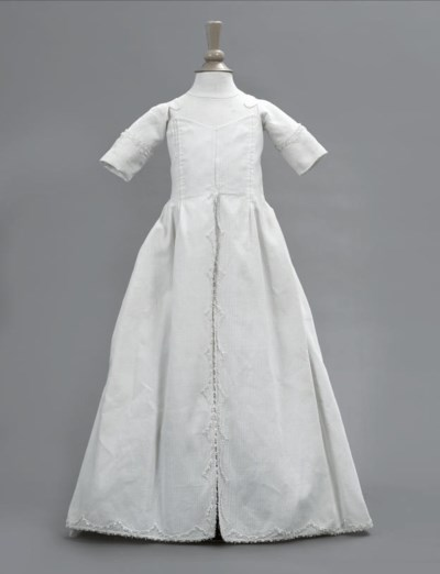 A WHITE RIBBED INFANT'S GOWN