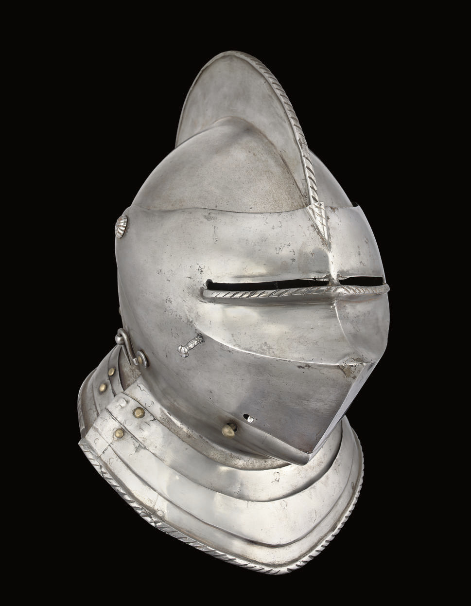 A COMPOSITE CLOSE HELMET