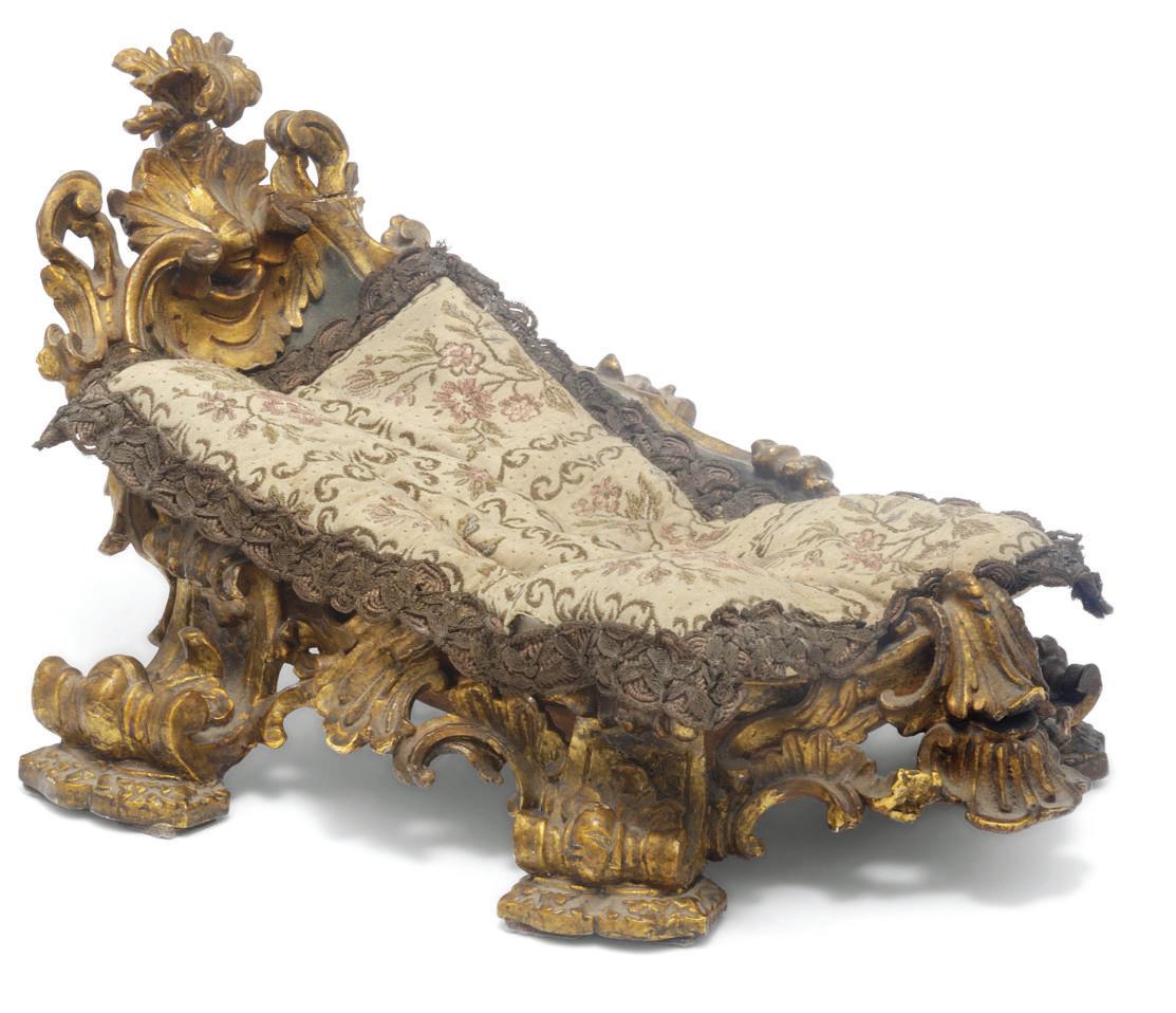 A Neapolitan giltwood crib