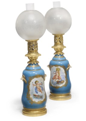 A PAIR OF CONTINENTAL SEVRES-S