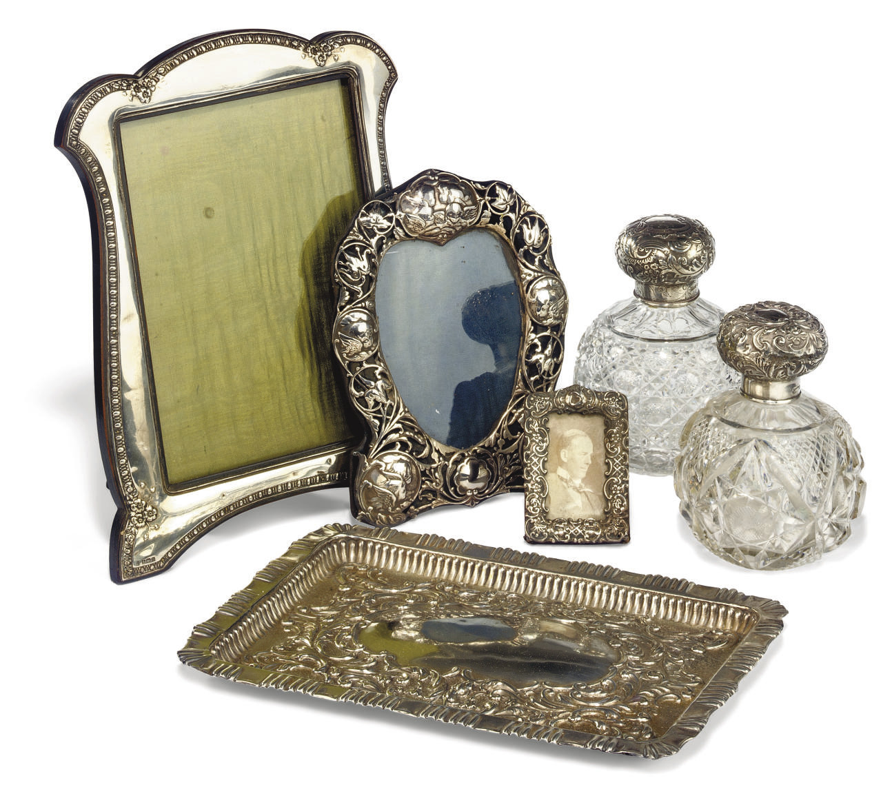 A GROUP OF THREE LATE VICTORIAN/EDWARDIAN PHOTOGRAPH FRAMES