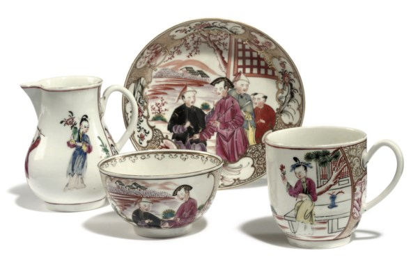A WORCESTER CHINOISERIE TEABOW
