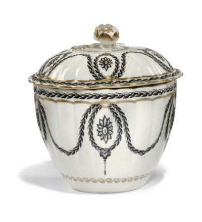 A WORCESTER REEDED SUGAR-BOWL