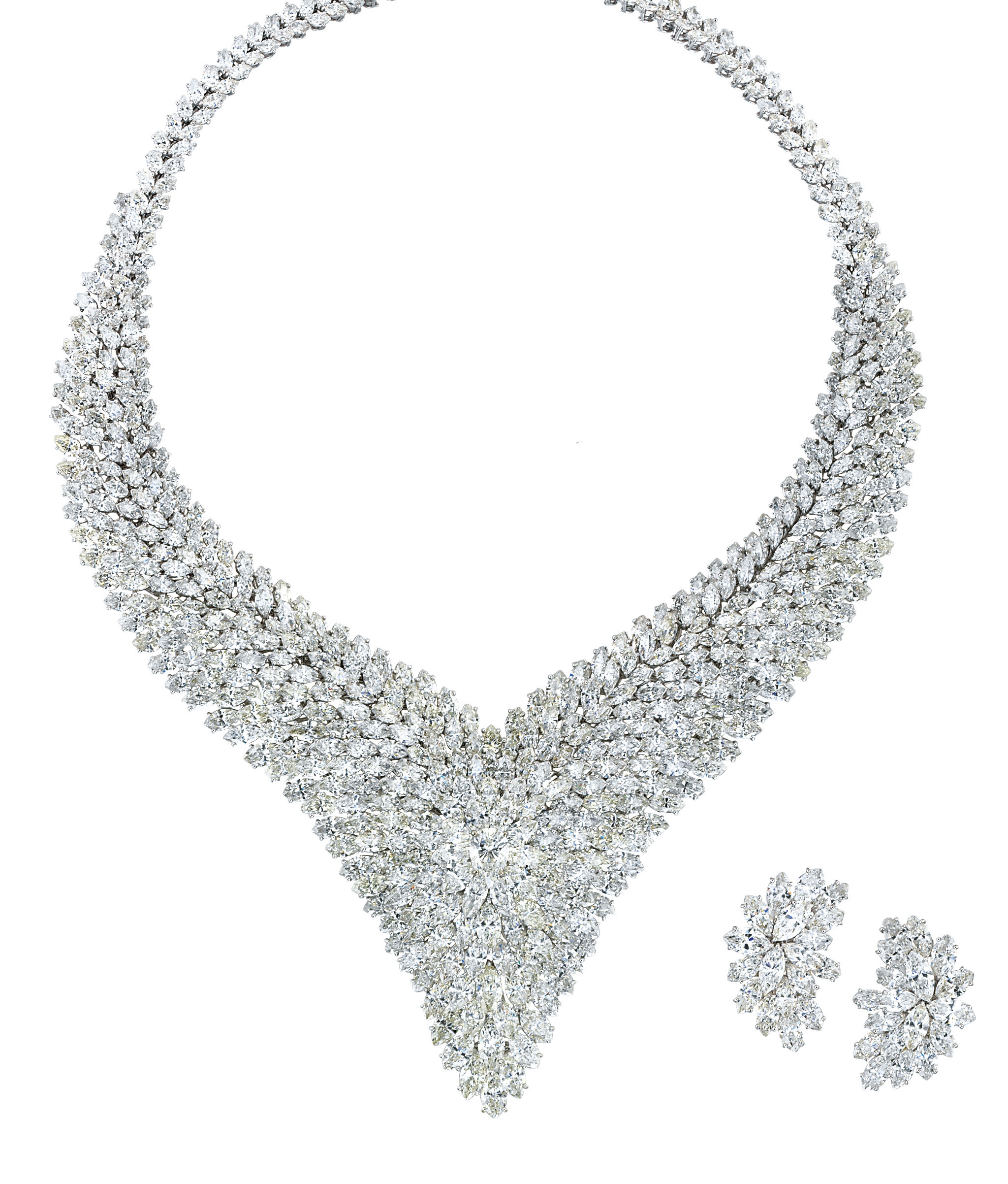 A DIAMOND NECKLACE AND PAIR OF