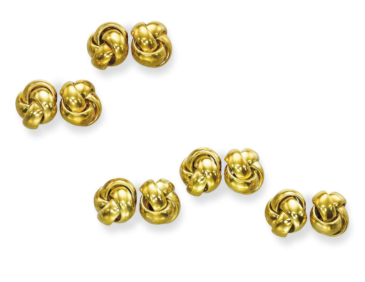 A GOLD DRESS-SET