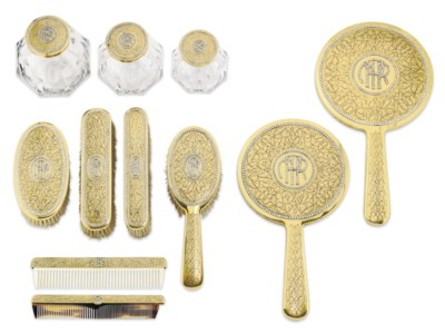 A DIAMOND AND GOLD NECESSAIRE