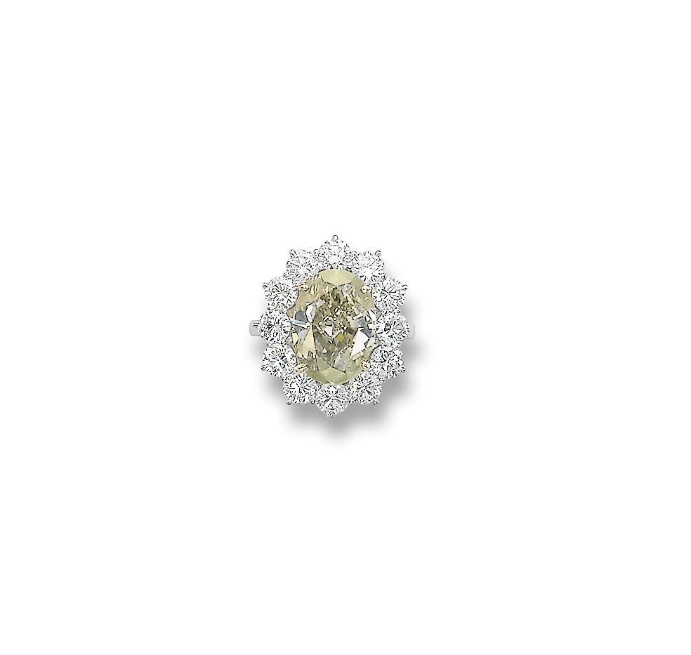 AN UNUSUAL COLOURED DIAMOND AN