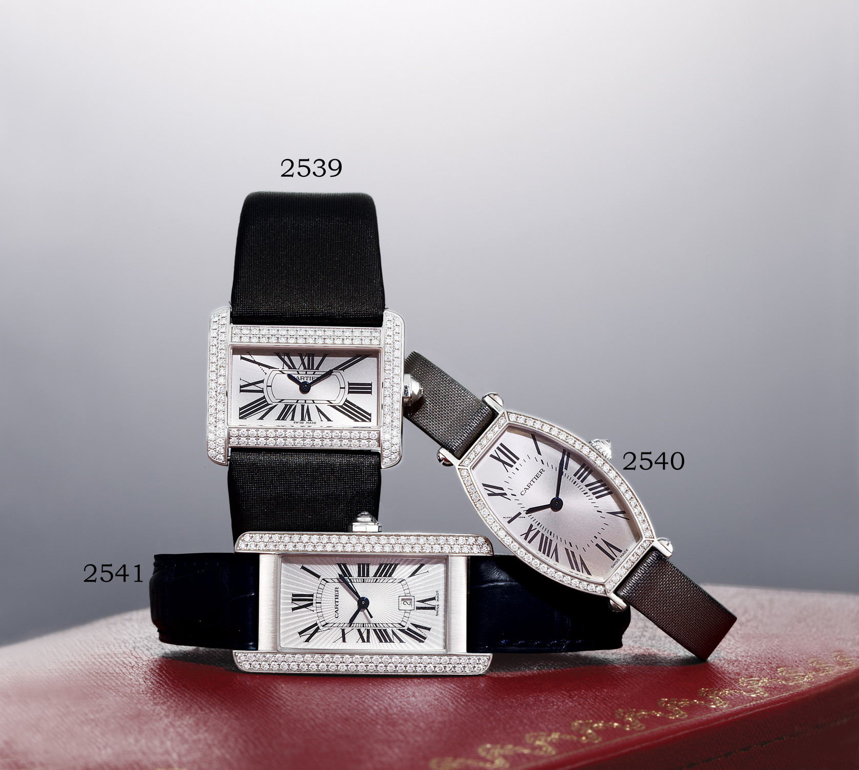 CARTIER, MID SIZE