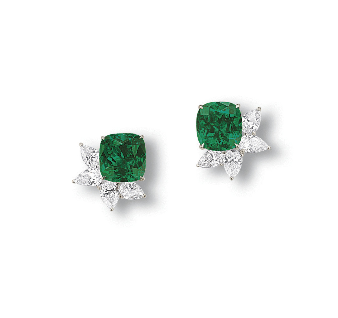 A PAIR OF STUNNING EMERALD AND