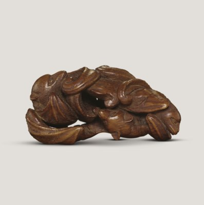 A VERY RARE BAMBOO CARVING OF