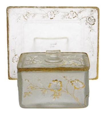 A FRENCH GILT CAMEO GLASS BOX,
