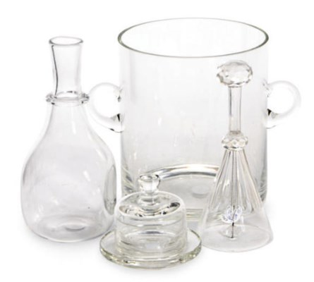 A GROUP OF CONTEMPORARY GLASS
