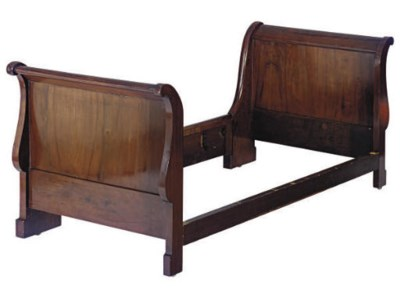 A CLASSICAL MAHOGANY SLEIGH BE