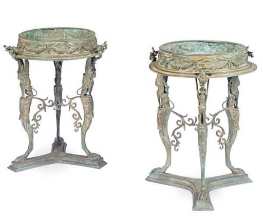 A PAIR OF CONTINENTAL BRONZE G