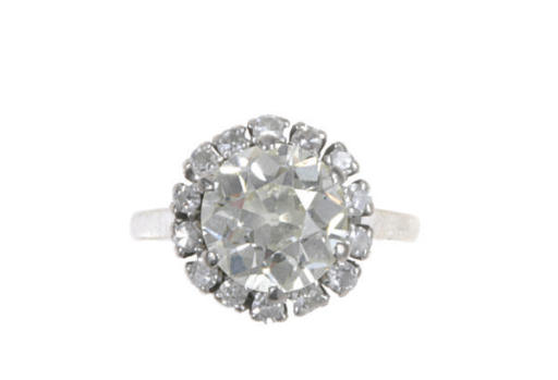 A DIAMOND AND 18K WHITE GOLD R