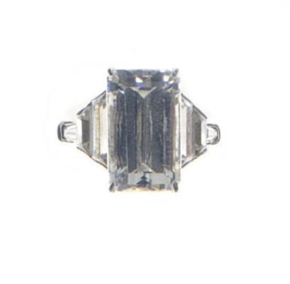 A SIMULATED DIAMOND AND PLATIN