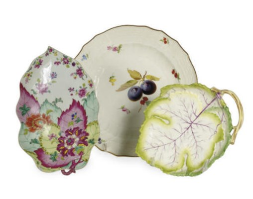 EIGHT GERMAN PORCELAIN FRUIT P