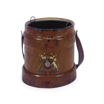 A LEATHER POWDER CANISTER,