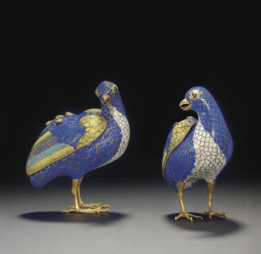 A PAIR OF CLOISONNE ENAMEL QUA