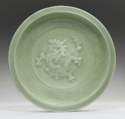 A LONGQUAN CELADON CARVED DISH