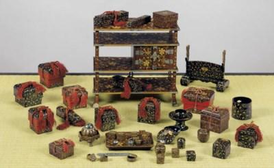 A Set of Miniature Lacquer Fur