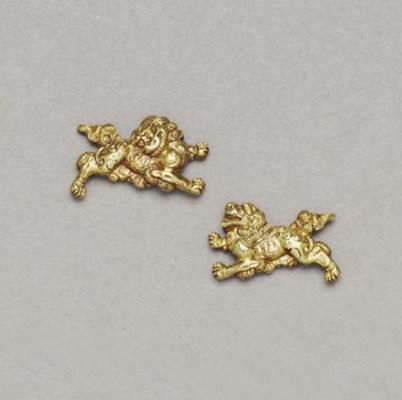 A Pair of Kyo-Kanagushi Gold M