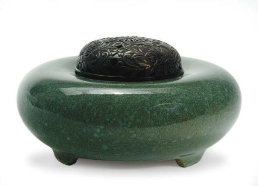 A JAPANESE SATSUMA GREEN-GLAZED SMALL CENSER AND SILVER COVER,