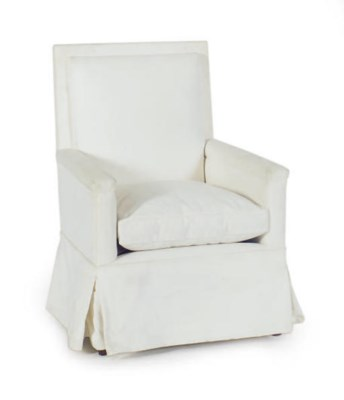 A WHITE UPHOLSTERED CLUB CHAIR