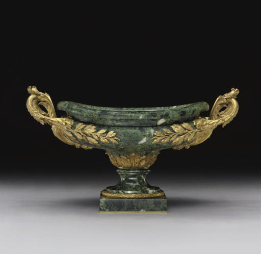 A FRENCH ORMOLU AND VERTE ANTI