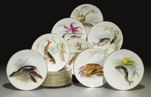EIGHTEEN MINTONS FISH PLATES