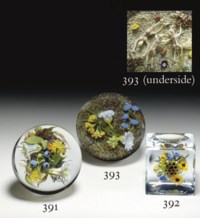 A PAUL STANKARD FACETED HONEYBEE HIVE BOUQUET CUBE WEIGHT