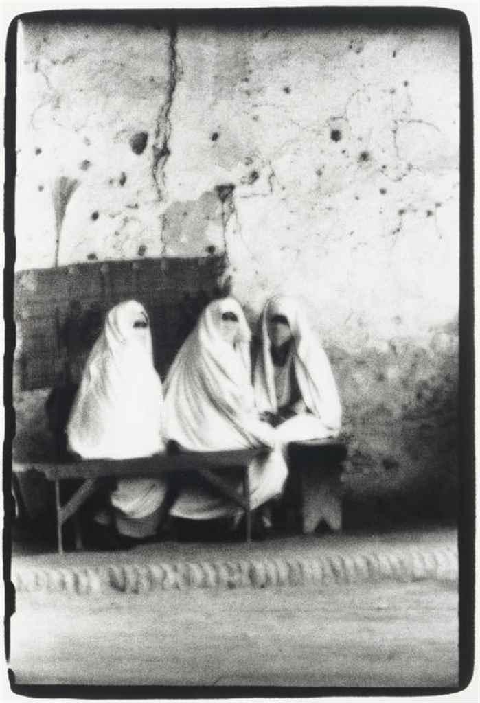 IRVING PENN (B. 1917)