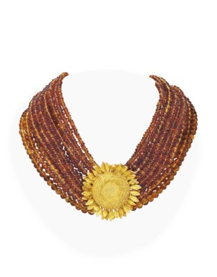 A CITRINE BEAD AND GOLD NECKLA