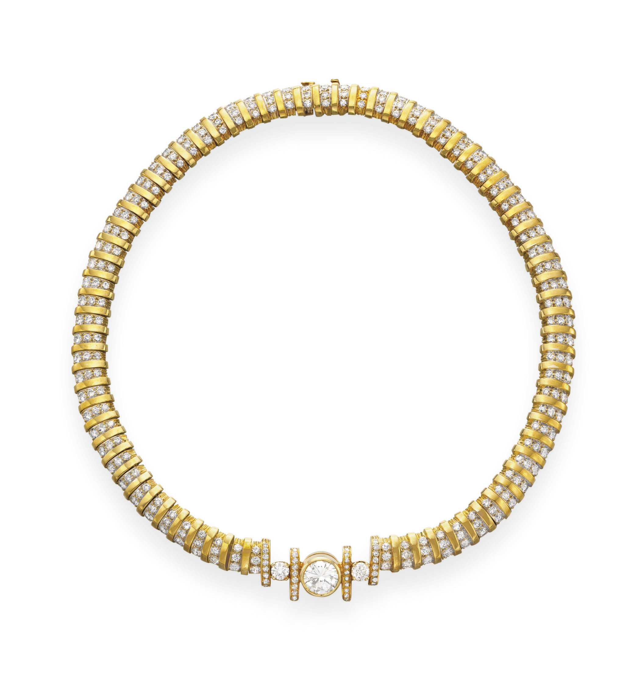 A DIAMOND AND GOLD NECKLACE