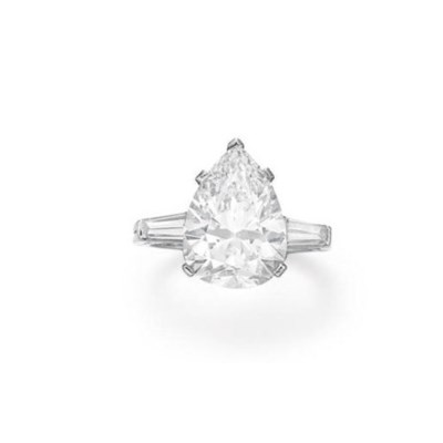 A DIAMOND RING, BY TIFFANY & C