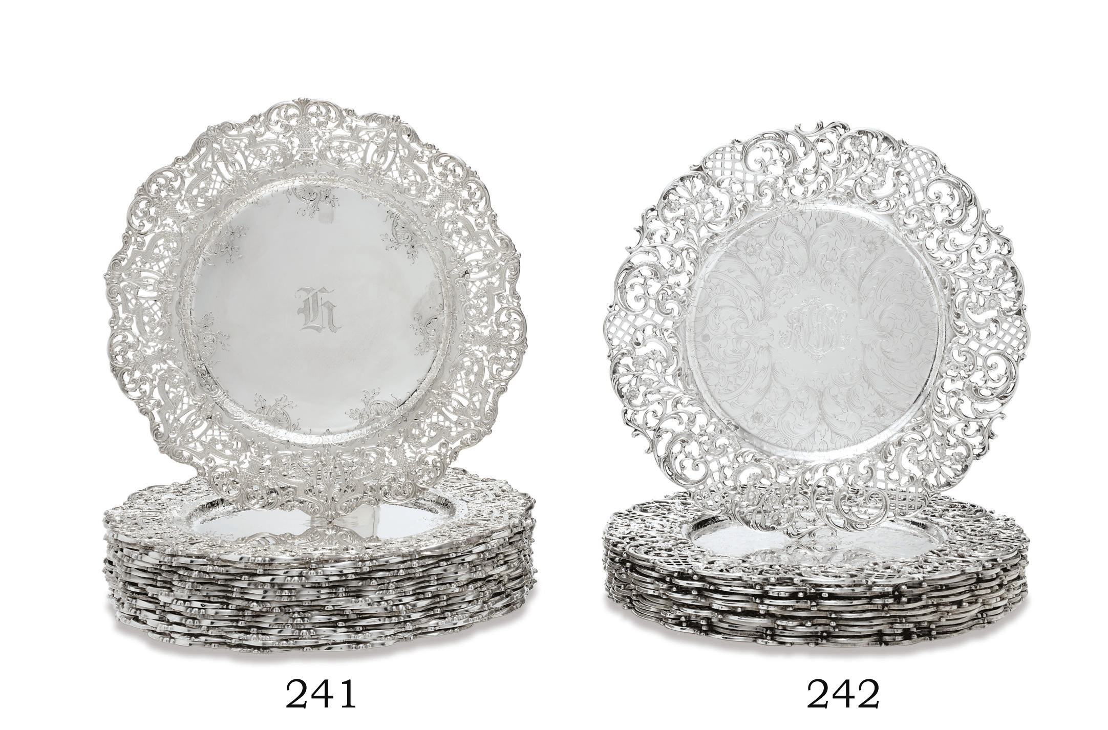 A SET OF SEVENTEEN AMERICAN SILVER DINNER PLATES