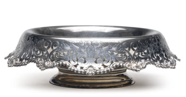 AN AMERICAN SILVER BOWL WITH A